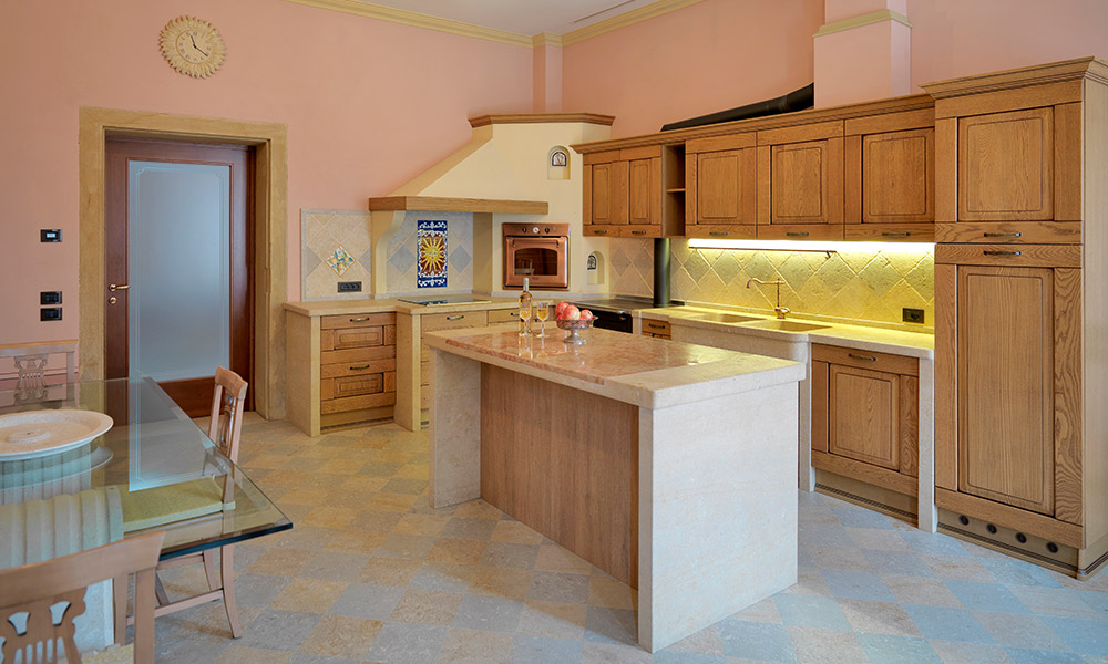 Arredo cucina in pietra grassi pietre for Cucina arreda