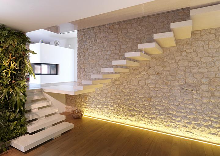 Villa privata in italia grassi pietre for Foto di rivestimenti di case verticali