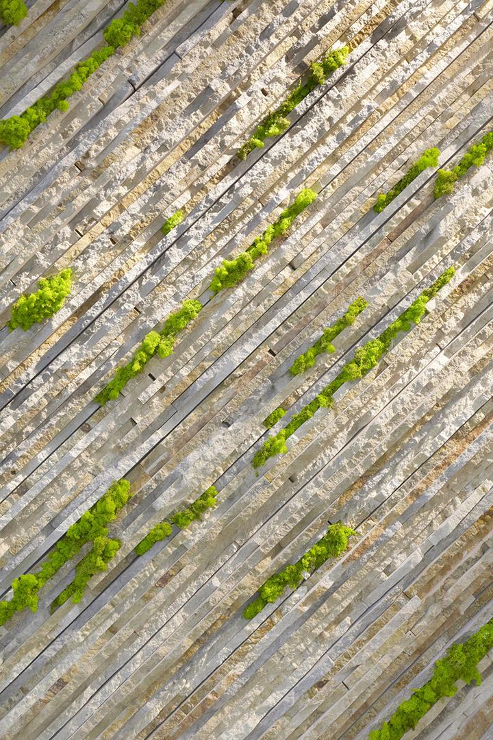 Setsu e Shinobu Ito - marmomacc 2012 - Grassi Pietre