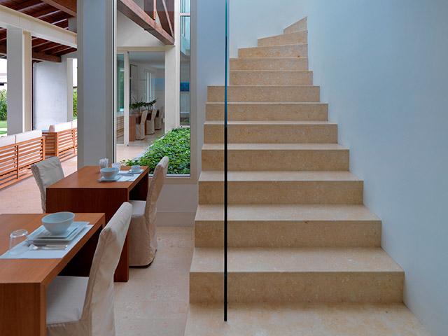 Scale in pietra grassi pietre - Scale moderne in marmo ...
